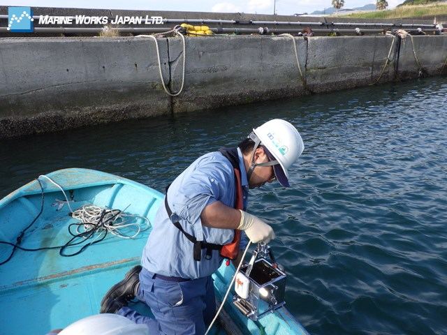 沿岸域における底質試料採取